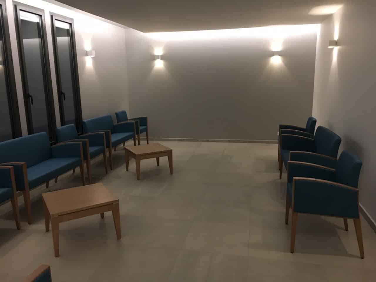 Salon d'attente des familles du crématorium de Saint Raphael
